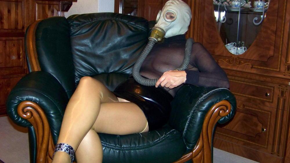なんじゃ!!?これヤバwwwーーー❖毒ガスマスクしてセックスするド変態外国人のポルノエロ画像wwwwwww 2 32