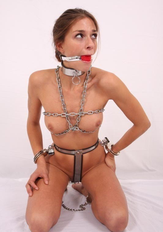 【SMグッズ】『マジでマニア向けww』オマンコに装着して調教されちゃう外国人ポルノエロ画像wwwww 20 10