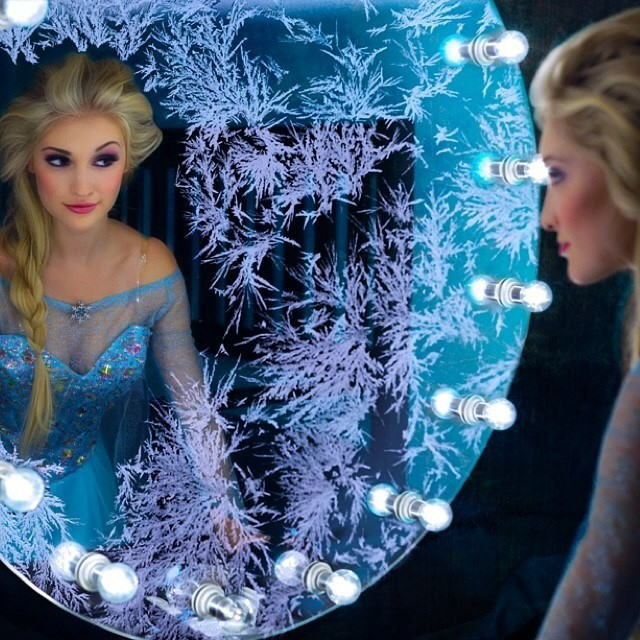 【アナ雪コス】アナと雪の女王 エルサのコスプレ姿がエロすぎる外国人ポルノエロ画像www 22 107