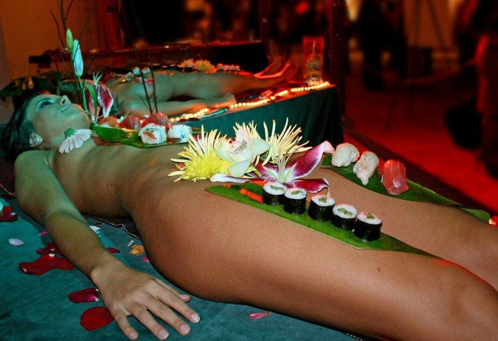 ーーーーー❖超レア画像ww女体盛りされちゃう外国人ポルノエロ画像wwwww 26 124
