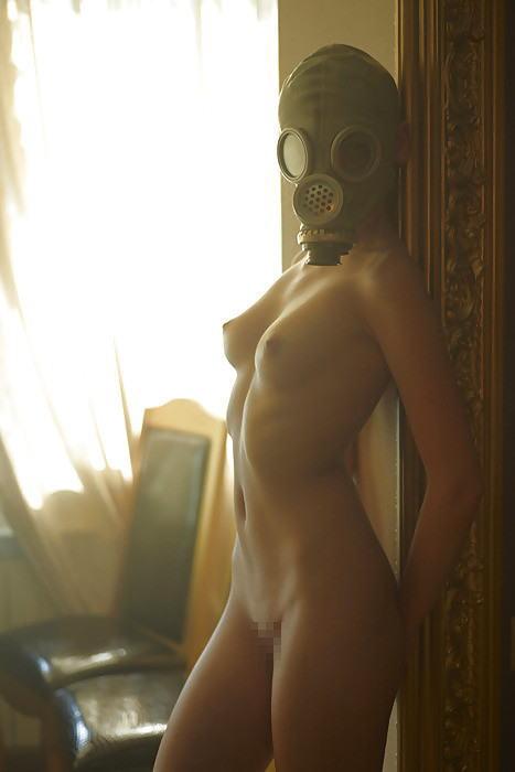 なんじゃ!!?これヤバwwwーーー❖毒ガスマスクしてセックスするド変態外国人のポルノエロ画像wwwwwww 26 31