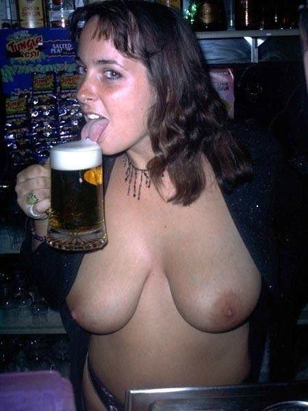 これヤバwwwーーー❖ヌード姿でビールを飲む外国人ポルノエロ画像www 26 90