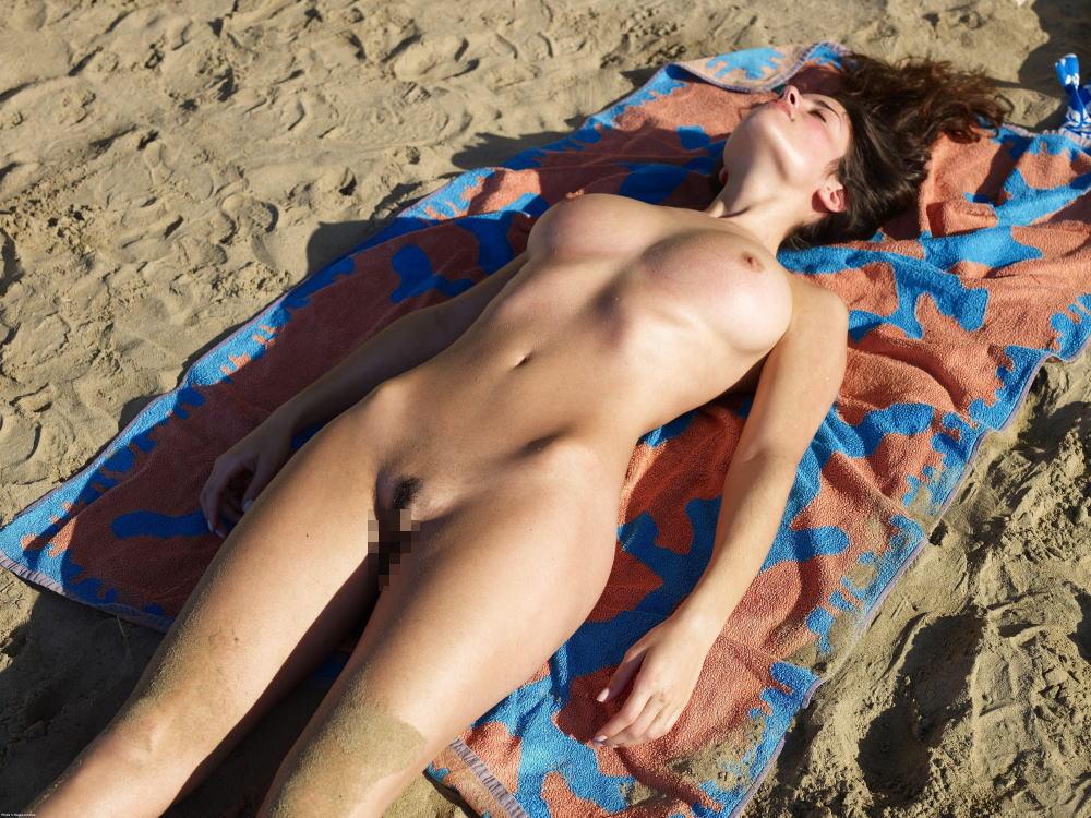 ---❖(゚∀゚)キタコレ!!早期削除注意ーー海岸でオマンコ●見せの外国人発見wwwww 27 18