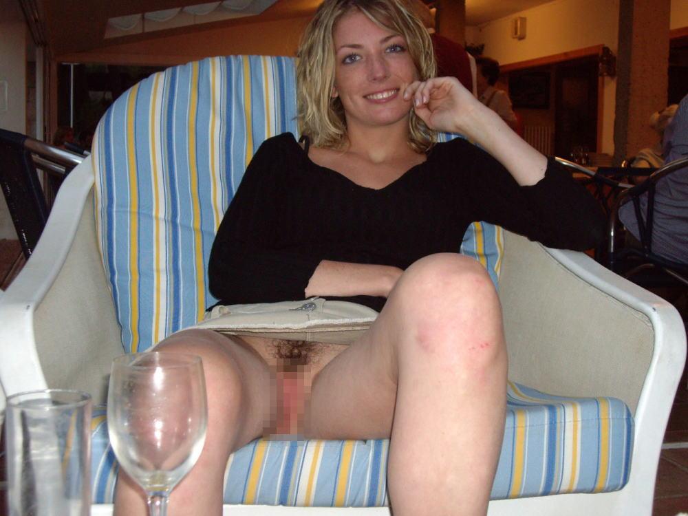 人妻熟女のパンチラ盗撮wwwエロい格好で下着見せちゃう外国人ポルノエロ画像wwww 27 91