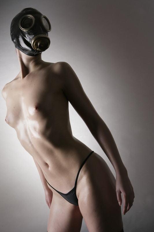 なんじゃ!!?これヤバwwwーーー❖毒ガスマスクしてセックスするド変態外国人のポルノエロ画像wwwwwww 28 31