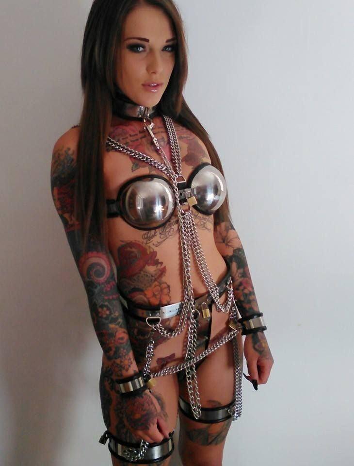 【SMグッズ】『マジでマニア向けww』オマンコに装着して調教されちゃう外国人ポルノエロ画像wwwww 29 10