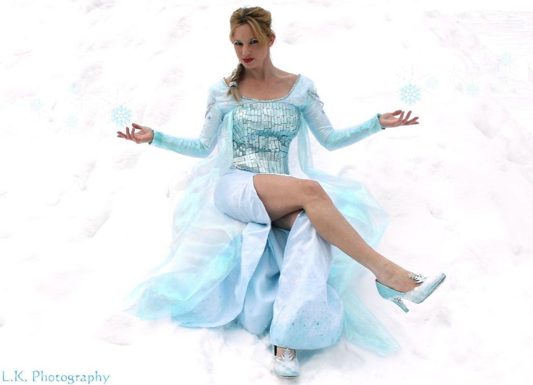 【アナ雪コス】アナと雪の女王 エルサのコスプレ姿がエロすぎる外国人ポルノエロ画像www 29 102