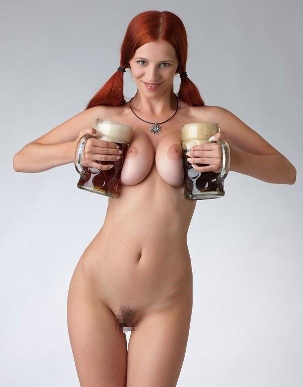これヤバwwwーーー❖ヌード姿でビールを飲む外国人ポルノエロ画像www 3 94