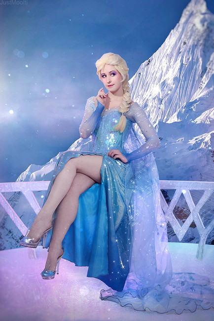 【アナ雪コス】アナと雪の女王 エルサのコスプレ姿がエロすぎる外国人ポルノエロ画像www 31 91