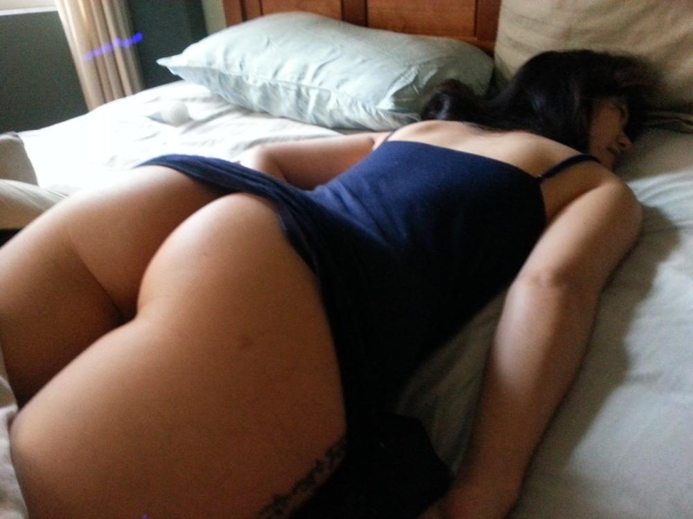エロ杉注意ーーー❖眠ってる外国人が下着少しずれて乳首軽く見えてるやんww速攻ーレイプするねWWWW 32 43