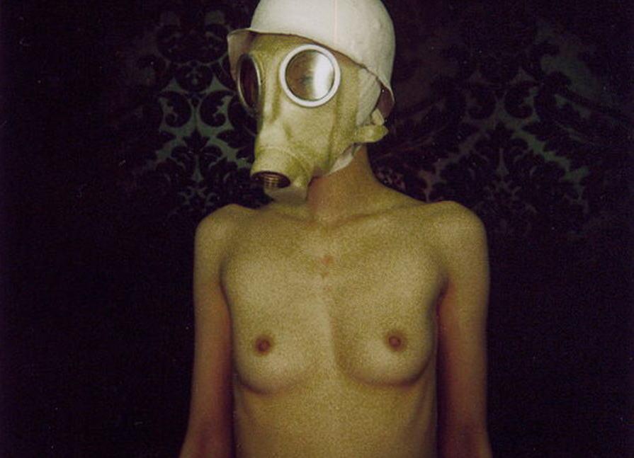 なんじゃ!!?これヤバwwwーーー❖毒ガスマスクしてセックスするド変態外国人のポルノエロ画像wwwwwww 35 21