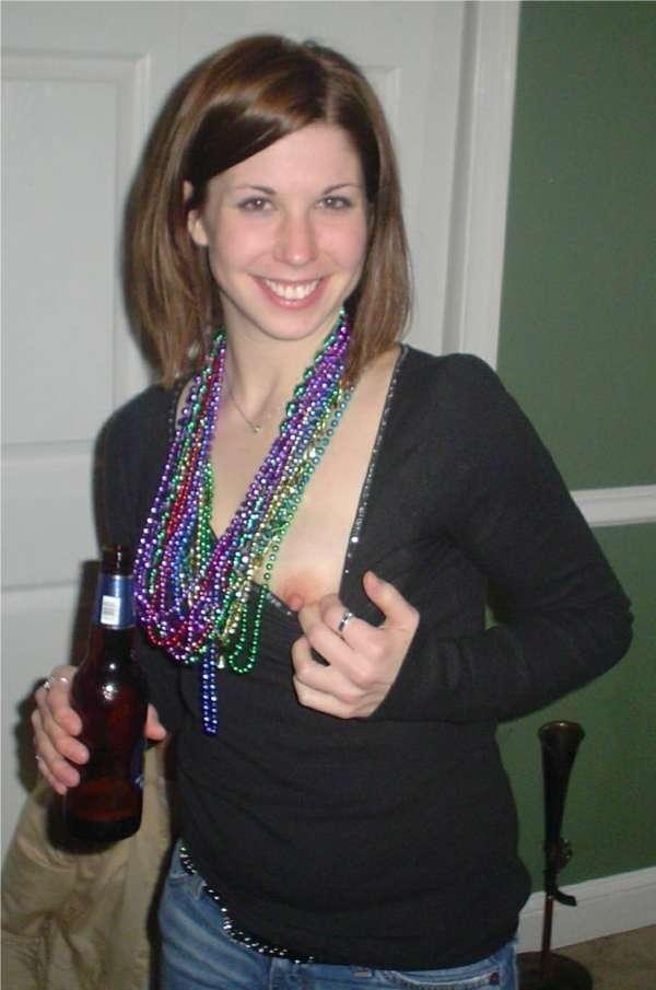 これヤバwwwーーー❖ヌード姿でビールを飲む外国人ポルノエロ画像www 38 49