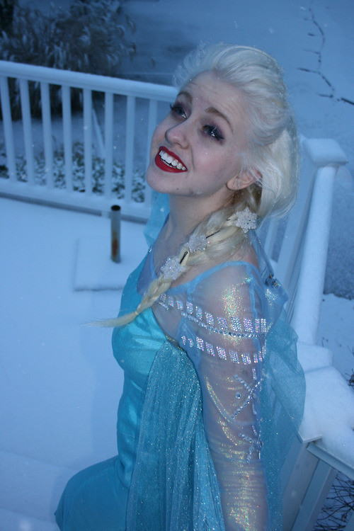 【アナ雪コス】アナと雪の女王 エルサのコスプレ姿がエロすぎる外国人ポルノエロ画像www 4 110