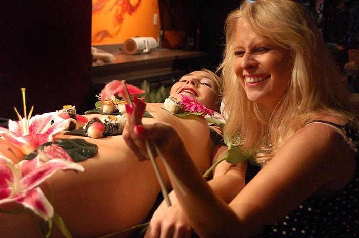 ーーーーー❖超レア画像ww女体盛りされちゃう外国人ポルノエロ画像wwwww 5 132
