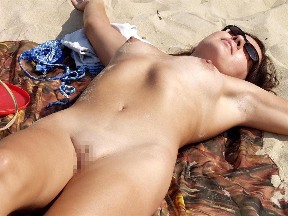 ---❖(゚∀゚)キタコレ!!早期削除注意ーー海岸でオマンコ●見せの外国人発見wwwww 5 19