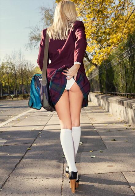 制服着た~~~~美女と美少女がエロいコスプレでエロいパンティー見せちゃうポルノエロ画像wwww 5 90