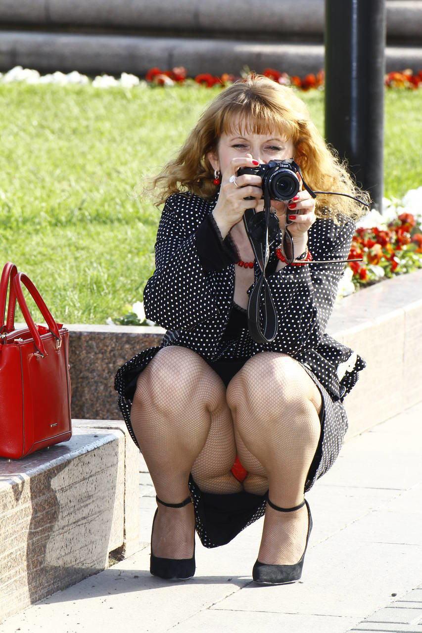 人妻熟女のパンチラ盗撮wwwエロい格好で下着見せちゃう外国人ポルノエロ画像wwww 7 97