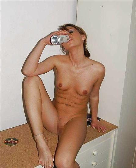 これヤバwwwーーー❖ヌード姿でビールを飲む外国人ポルノエロ画像www 8 94