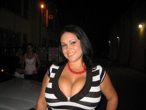 【爆乳オッパイエロ画像】(゚∀゚)キタコレ!!世界の美女のレベルを見せつける超乳が半端ないってwwwwwww 9 82