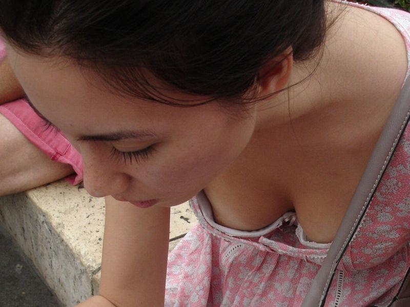 がいこくじんエロ画像w若い童顔美少女が胸チラで乳首フル勃起見せちゃうぞ~~~~~ 1 45