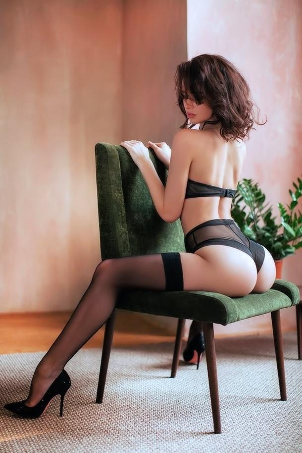 ガイジンポルノエロ画像w椅子に座って巨尻見せつけちゃうエロしこな写真集wwwww 11 70