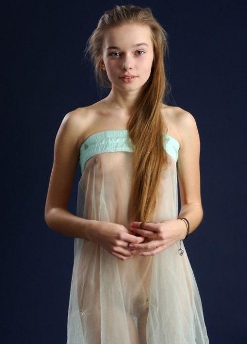 がいこくじんエロ画像wノーブラでスケスケドレスまとうSSS級美女がエロすぎるぞ~~~~ 12 34