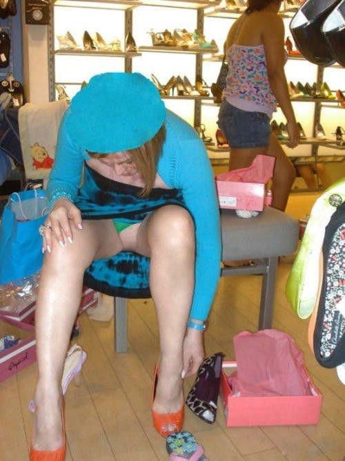 ガイコク人エロ画像wノーパンで盗撮される極上素人美少女がたまらないポルノwwwww 15 83