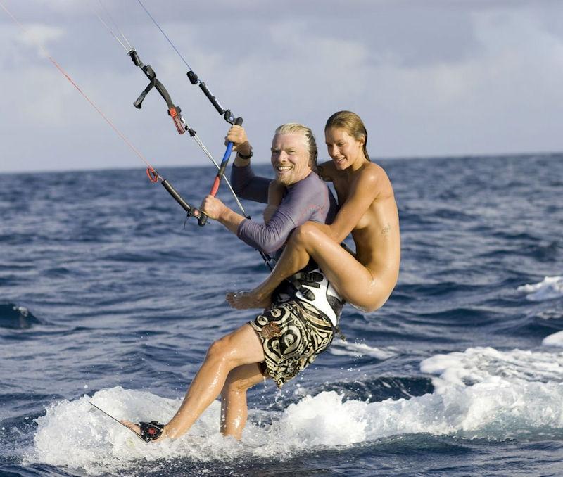 ガイジンエロ画像w海でおふざけしちゃう巨乳オッパイ外国人のポルノwwwwwww 17 94