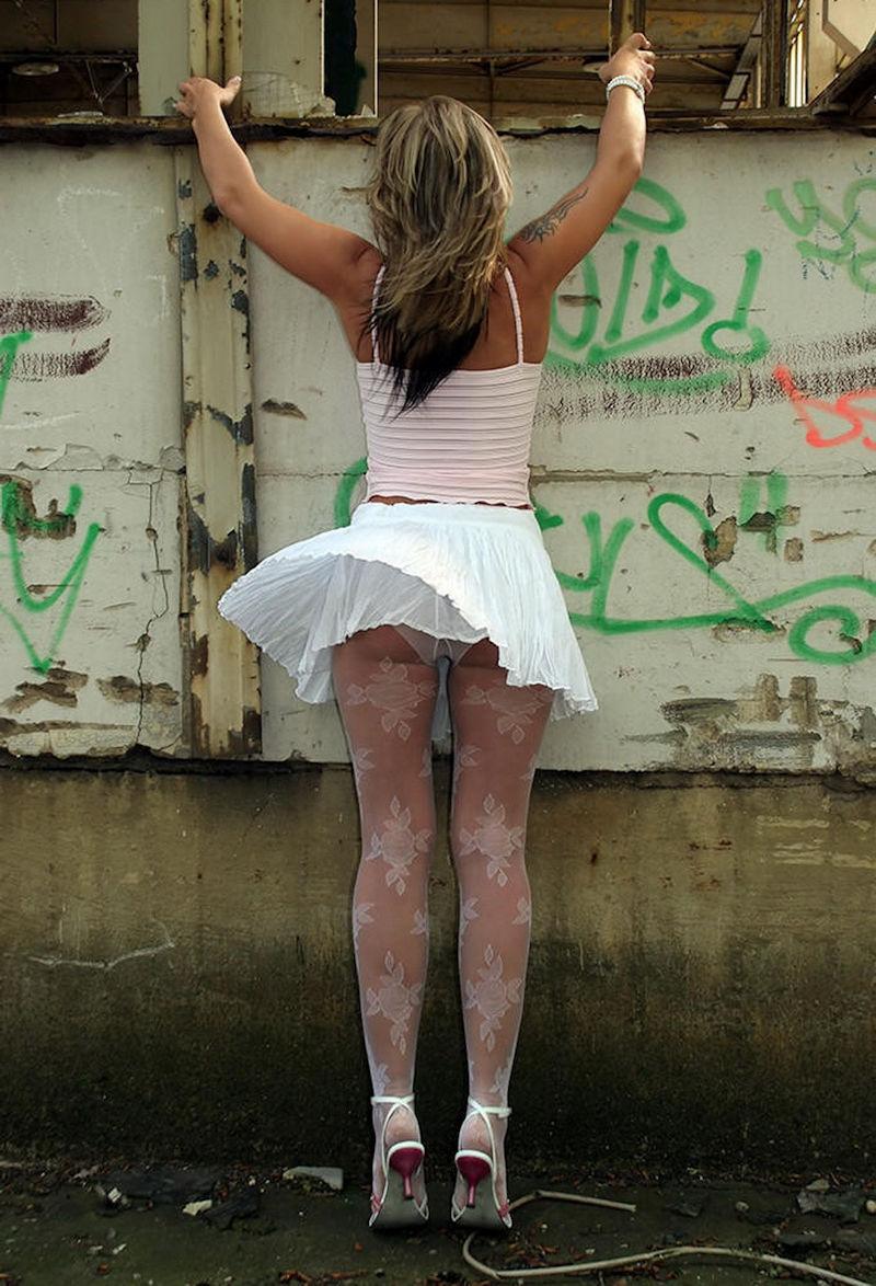 ガイジンエロ画像wパンティー●見せ素人美女を盗撮エロすぎる外人ポルノwwwwwwww 18 116