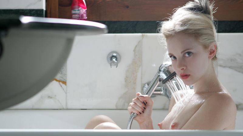 外国人エロ画像w金髪極上エロ美女が全裸ヌード見せちゃうww抜けるポルノwwwwwwwww 18 138