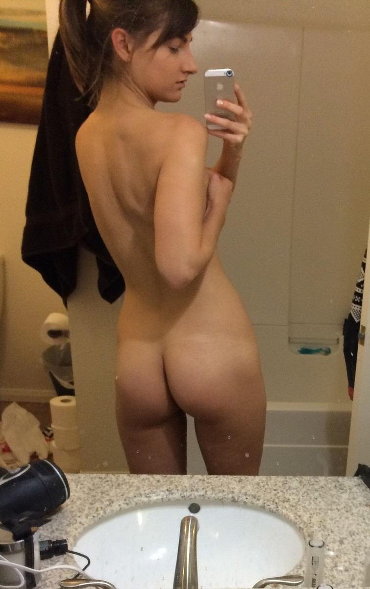 外国人エロ画像wお部屋で自撮り全裸ヌード見せちゃう超カワイ子ちゃんのポルノwwww 22 113