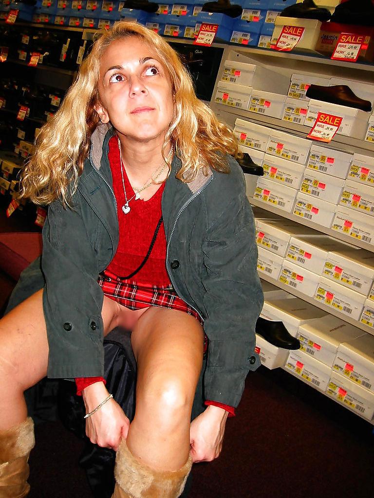 ガイコク人エロ画像wノーパンで盗撮される極上素人美少女がたまらないポルノwwwww 24 80