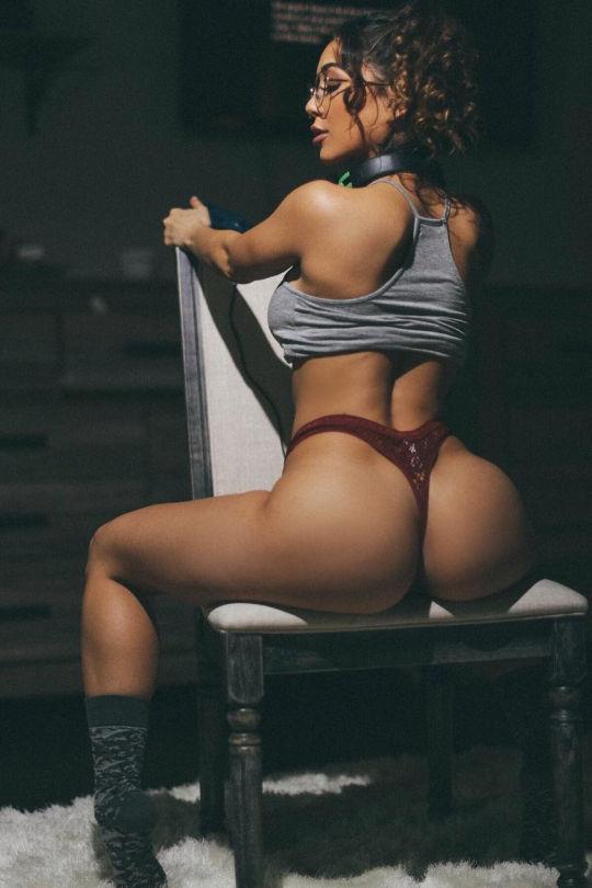 ガイジンポルノエロ画像w椅子に座って巨尻見せつけちゃうエロしこな写真集wwwww 25 69