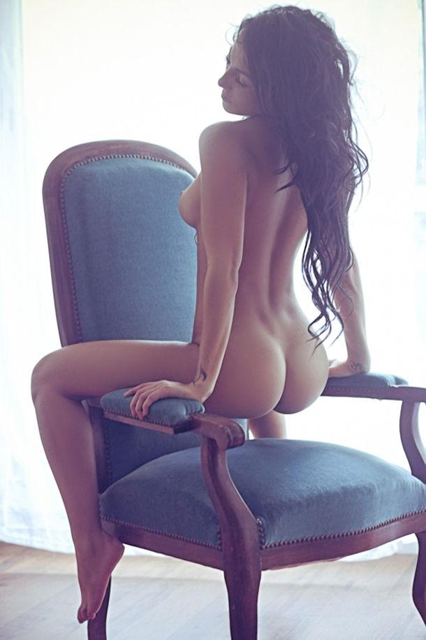 ガイジンポルノエロ画像w椅子に座って巨尻見せつけちゃうエロしこな写真集wwwww 26 69