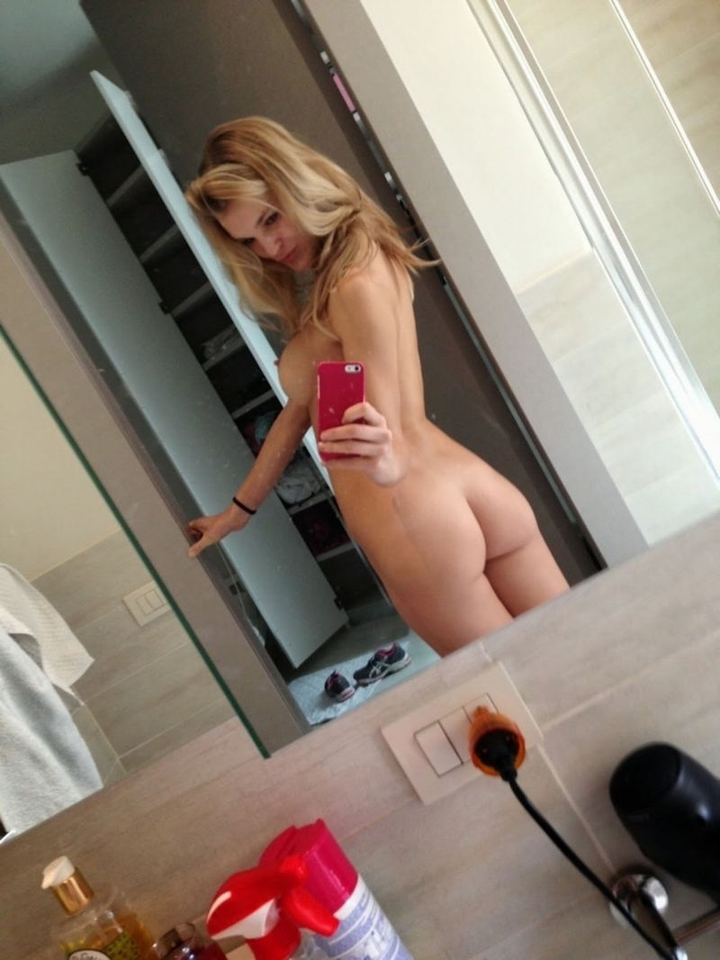 外国人エロ画像wお部屋で自撮り全裸ヌード見せちゃう超カワイ子ちゃんのポルノwwww 31 98