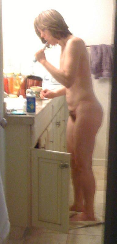 ガイコクジンエロ画像w歯ブラシごしごし磨いちゃう全裸ヌード美少女がヤバいポルノwwwww 34 66