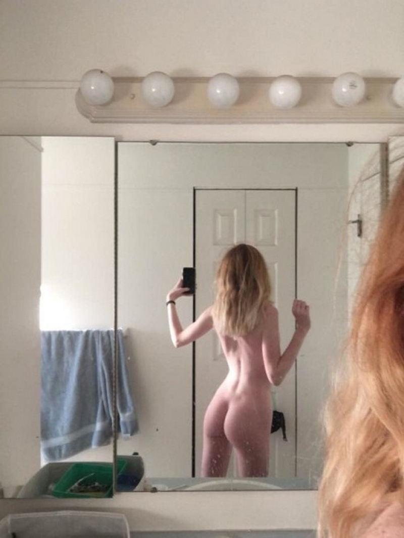 外国人エロ画像wお部屋で自撮り全裸ヌード見せちゃう超カワイ子ちゃんのポルノwwww 40 67