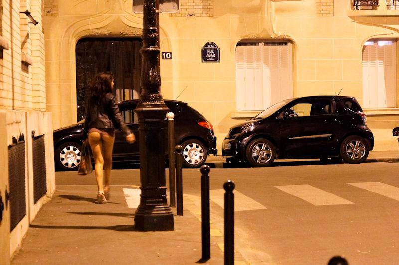 これが世界の売春だ!!立ちんぼが車の男に声をかけて体を売るワンシーンぽるのエロ画像www 51 3