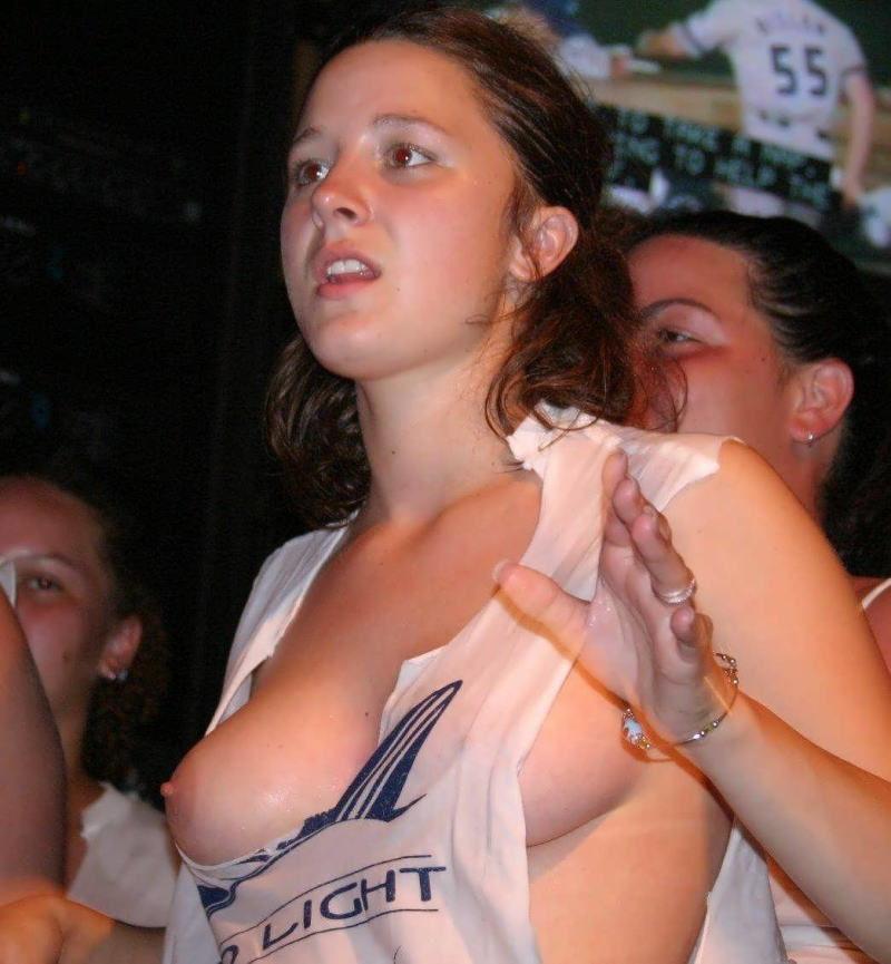 がいじんエロ画像w(゚∀゚)キタコレ!!超乳首フル勃起してる外人wやりたくない人はいないなwwwww 66