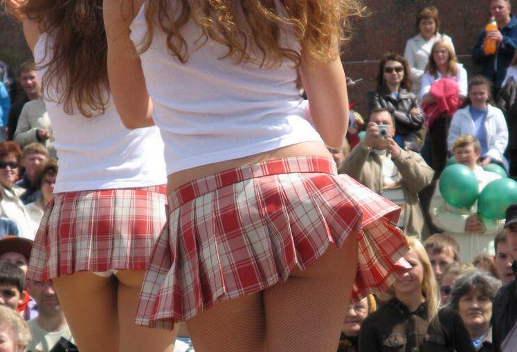外国人エロ画像wこれヤバすぎるwwwミニスカートからはみけつ見せちゃうポルノwwwwwww 9 122