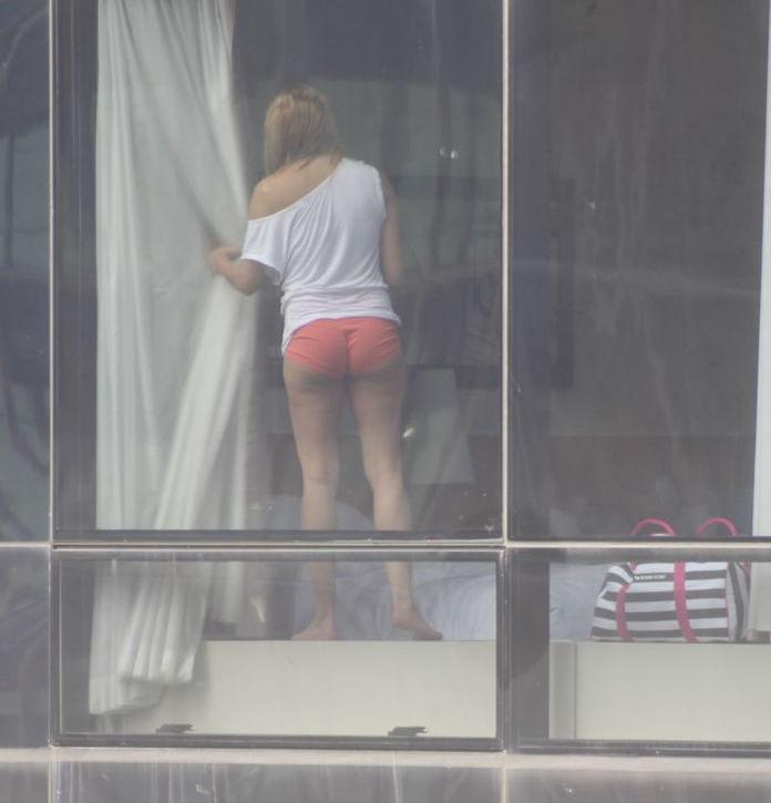 ガイコクジンエロ画像w盗撮ものwお部屋でヌード全裸をカメラで撮影した外人ポルノwwwwwwwww 13
