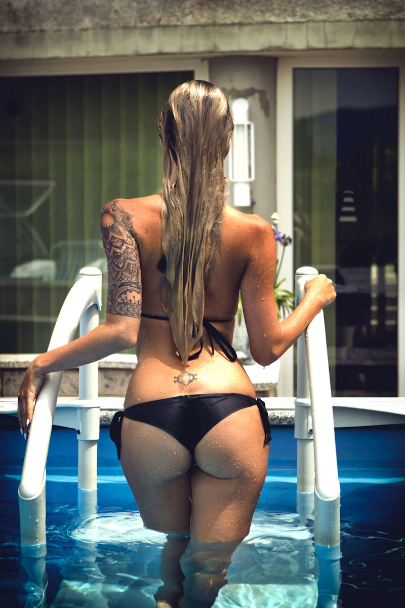外人エロ画像w水着がほぼオマンコアナル肛門見えそうな素人美少女ポルノwwwwwwwwww 14 35