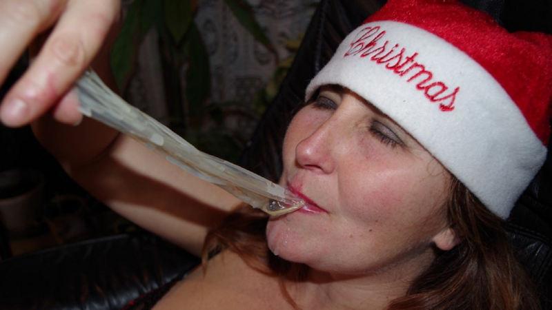 外人エロ画像w素人美少女がセックス後にコンドームでおふざけしちゃうポルノwwwwwwwww 18 43