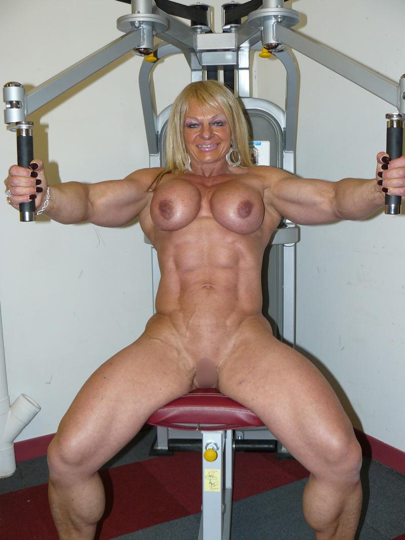 外人エロ画像wスポーツクラブでエロいおふざけしちゃう素人美女がヤバすぎるだろwwwwwww 19 49