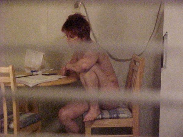 ガイコクジンエロ画像w盗撮ものwお部屋でヌード全裸をカメラで撮影した外人ポルノwwwwwwwww 20