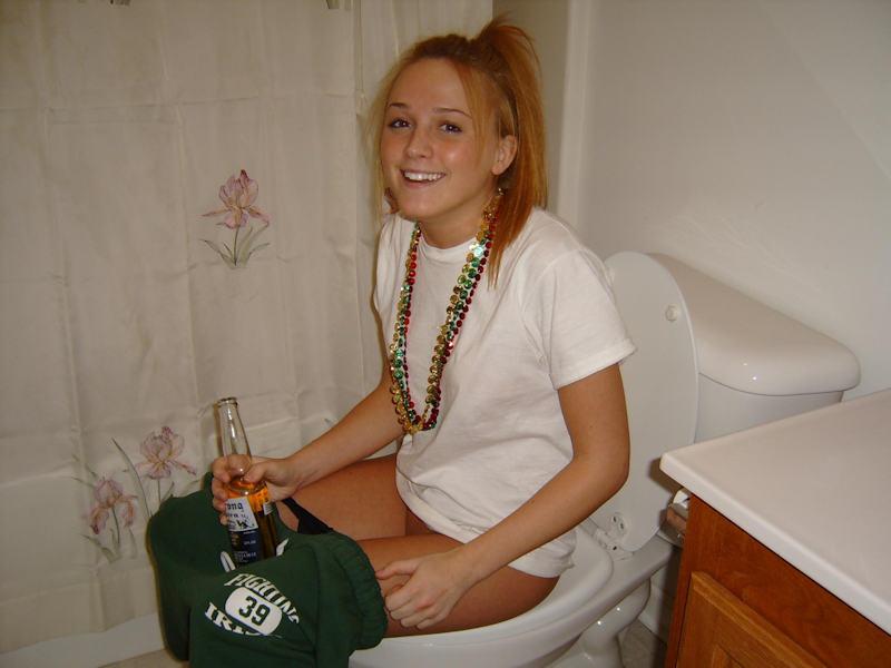 外国人ポルノエロ画像w酔っぱらって寝てる素人外国人がいたずらされちゃうwwwwwww 23 122