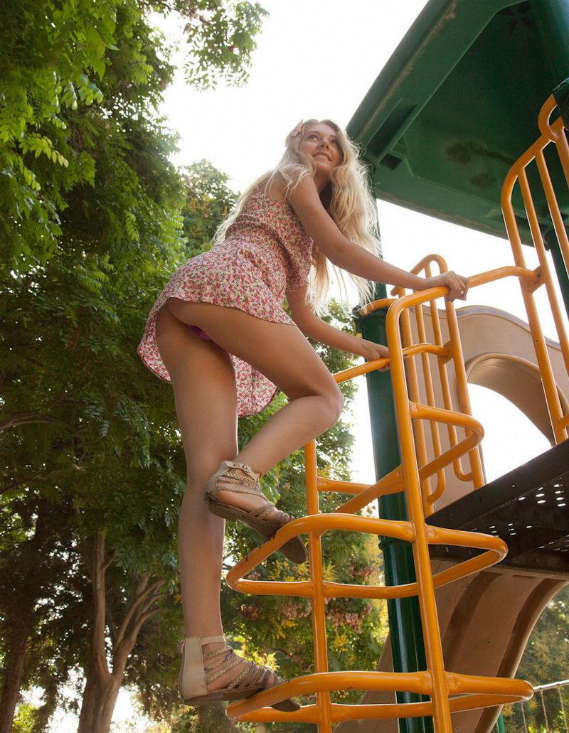 外国人エロ画像w金髪極上エロ美女が全裸ヌード見せちゃうww抜けるポルノwwwwwwwww 23 4