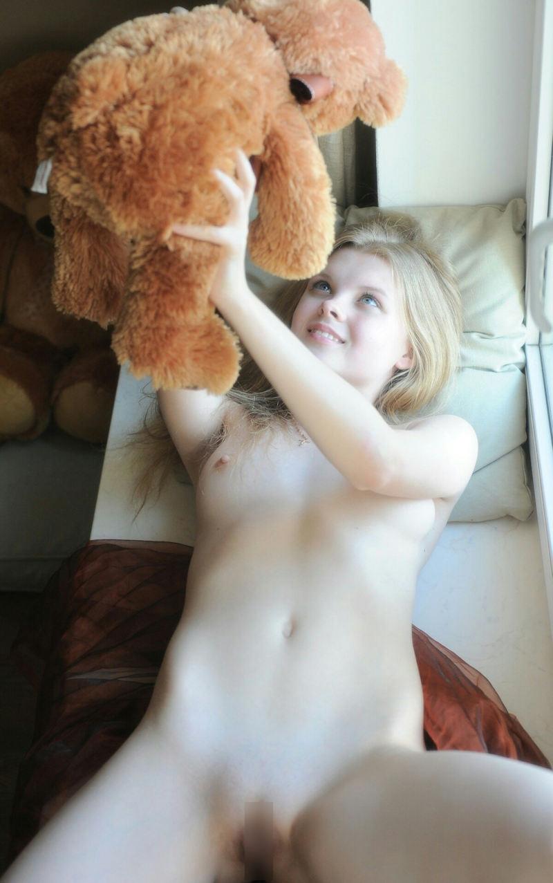 外国人エロ画像w金髪極上エロ美女が全裸ヌード見せちゃうww抜けるポルノwwwwwwwww 28 11