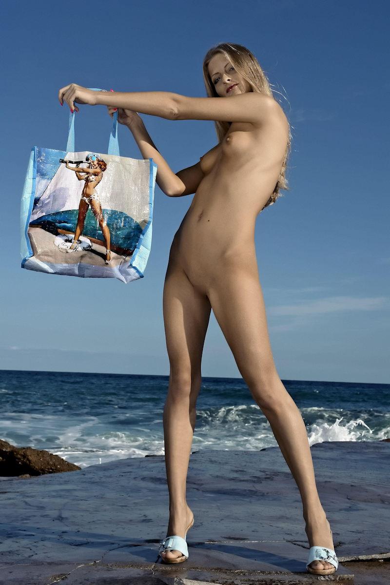 外国人エロ画像w貧乳ちっぱい美少女が全裸ヌード見せちゃう勃起確定のポルノwwww 28 8