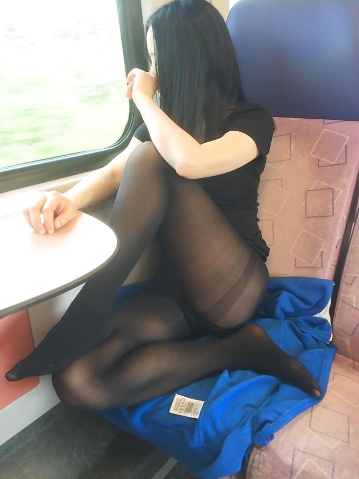 超ヤバすぎるwwwバスの中でとってもいやらしこと楽しんじゃう素人美女外国ポルノエロ画像wwwwww 29 138